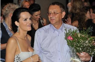 Российские звездные женщины рожают от женатых